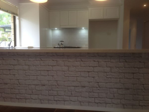 White Brick Wallpaper after on breakfast bar