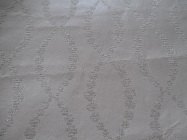 closeup of Thibaut wallpaper - Beaded trellis