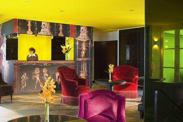 Hotel design using wallpaper - Hotel bellechasse paris ...